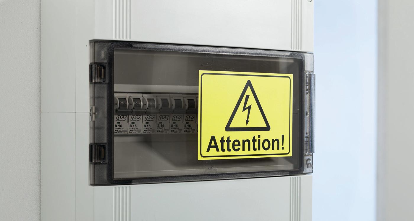 Etiketter för varning